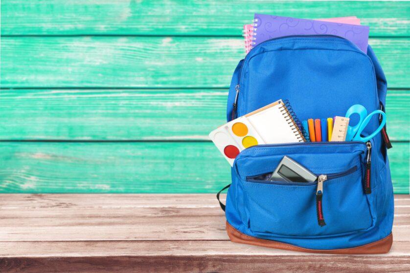 Mochila y material escolar